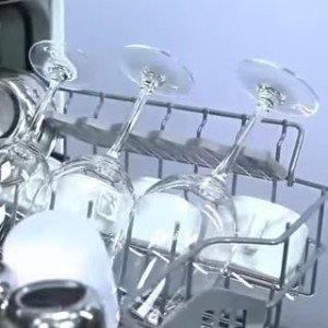 Gläser in Geschirrspüler